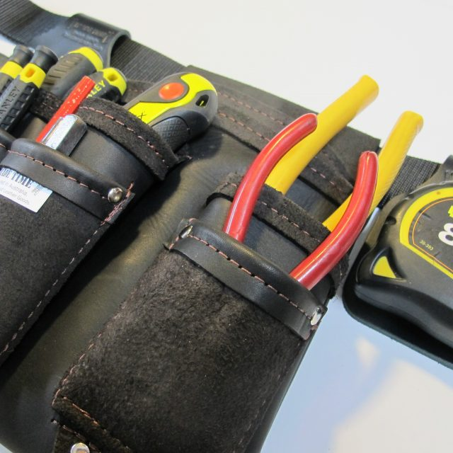 https://tradetimetoolbags.com.au/wp-content/uploads/2019/05/Electrician-Angle-2-640x640.jpg