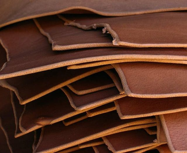 https://tradetimetoolbags.com.au/wp-content/uploads/2019/07/Vegetable-Tanned-Leathers-640x525.jpg
